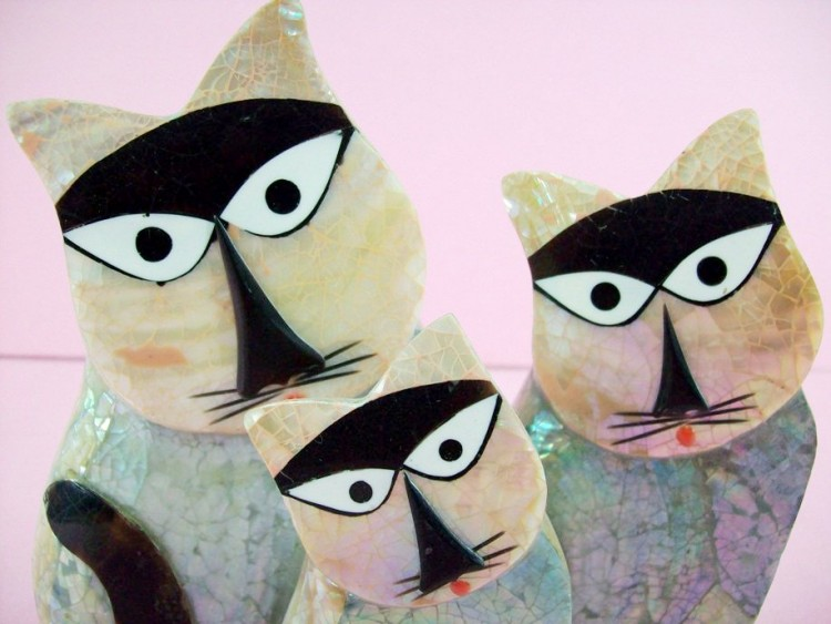 3 Shiny Cats, Handcrafted From Clay And Various Fish Scales